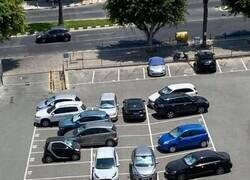 Enlace a Hay gente a la que le cuesta aparcar bien