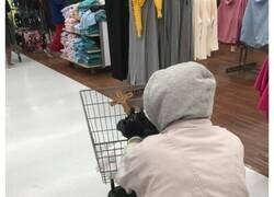 Enlace a Personas y situaciones que sólo puedes ver en Walmart