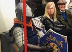 Enlace a Caballero en el metro