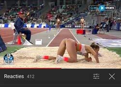Enlace a Muy fan del salto de longitud femenino