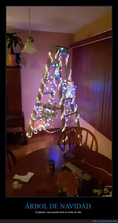 árbol de navidad,escaleras
