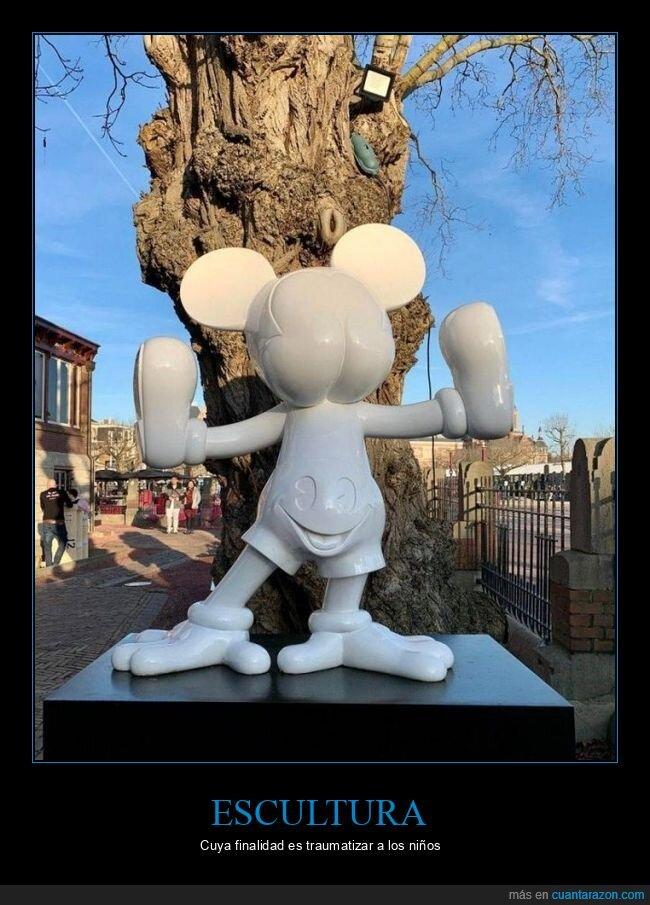 escultura,mickey mouse,wtf
