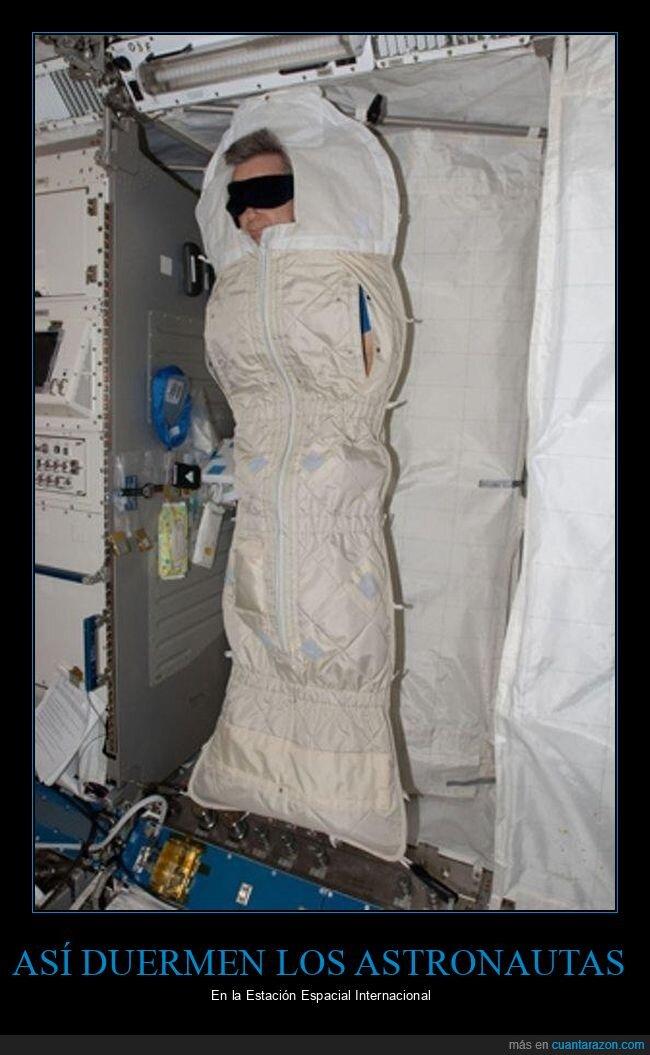 astronautas,dormir,wtf