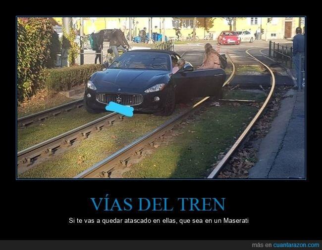 coches,fails,vías del tren