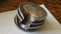 Enlace a Salvado por las monedas