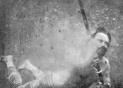 Enlace a Pionero de los selfies submarinos