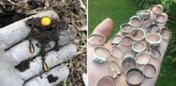 Enlace a Personas que encontraron tesoros usando un detector de metales