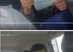 Enlace a Tremenda secuencia de este chico cuando le dan el primer cheque de su vida y descubre lo que son los impuestos