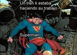 Enlace a Superman no piensa más allá