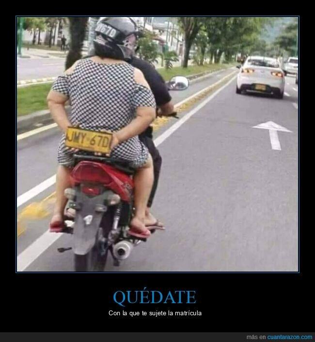 matrícula,moto,sujetar