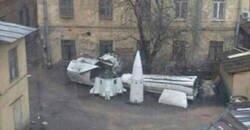 Enlace a La construcción de cohetes no se puede detener por un confinamiento