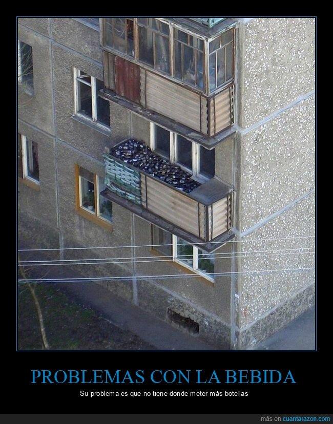 balcón,botellas,wtf