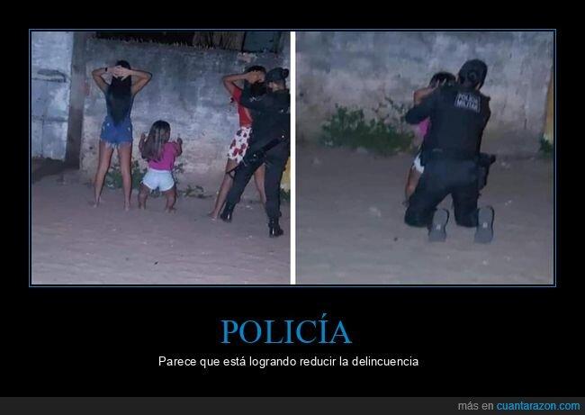 arrestando,enana,policía