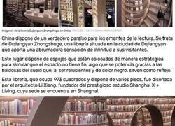 Enlace a Casi 81.000 libros, estanterías 'infinitas', espejos y escaleras de caracol: así es la espectacular librería que arrasa en China