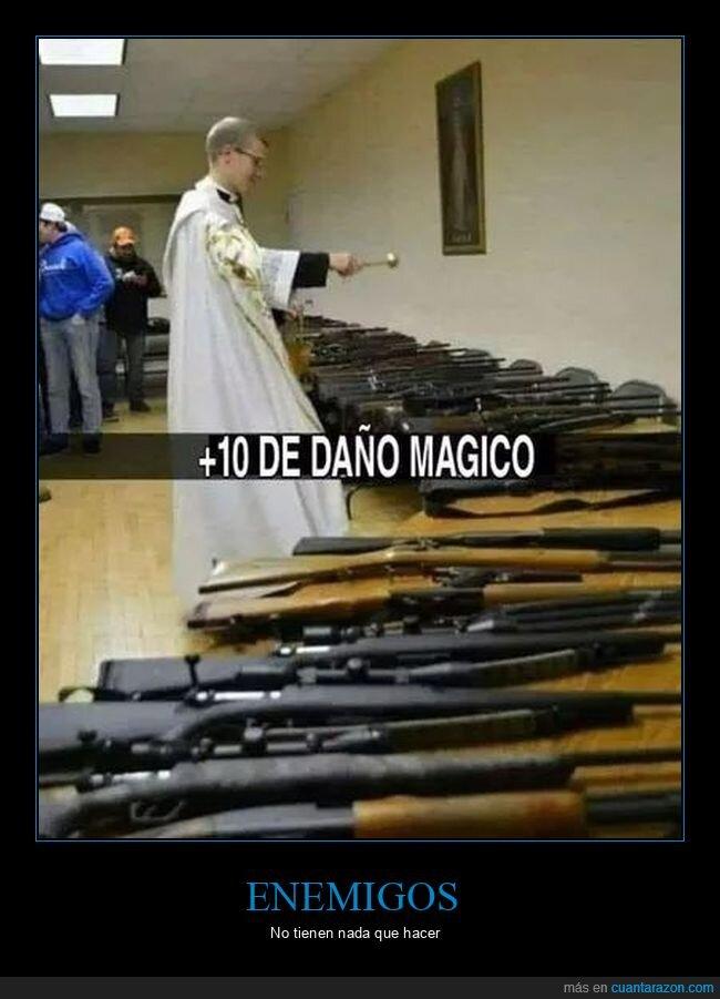 armas,bendiciendo,sacerdote,wtf