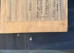 Enlace a Una buceadora encuentra un mensaje en una botella de hace 95 años en el fondo del mar