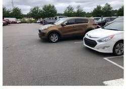 Enlace a Fotografías de gente que se ha ganado mucho karma negativo por su forma de aparcar