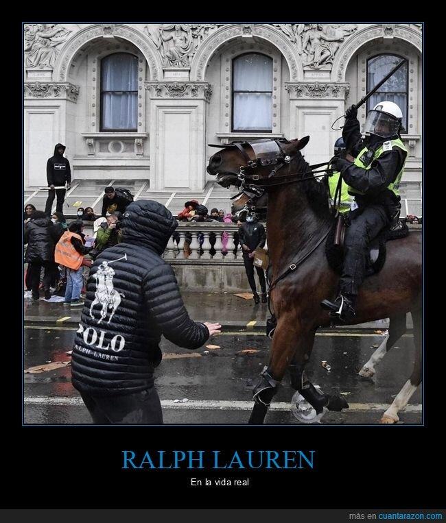 caballo,parecidos,policía,ralph lauren