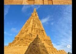 Enlace a El nuevo récord Guinness se lo ha llevado este castillo de arena por sus 21,16 metros de altura