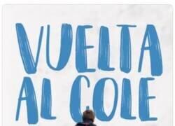 Enlace a Almeida sube una foto haciendo el Camino de Santiago y le llueven los memes