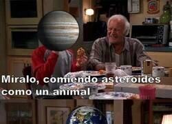 Enlace a Júpiter VS La Tierra