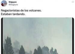 Enlace a Así han visto la erupción del volcán de La Palma en redes sociales