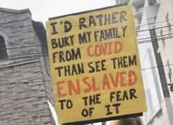 """Enlace a """"Prefiero enterrar a mi familia por el Covid que verlos esclavizados por el miedo a él"""""""