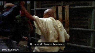 Enlace a Gandhi ha resucitado y tiene ganas de poner las cosas en su sitio