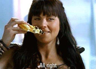 Enlace a Xena, la princesa guerrera, comiendo pizzas