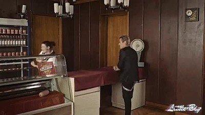 Enlace a Así se compra en Rusia lo único que te da calor por las noches