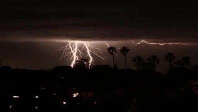 Enlace a Una de las tormentas eléctricas más espectaculares que has visto