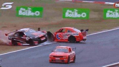 Enlace a Así serían las carreras de coches si las patrocinara Michael Bay