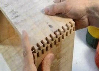 Enlace a 2 piezas de madera que encajan perfectamente