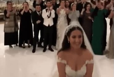 Plot twist en el momento de lanzar el ramo en una boda
