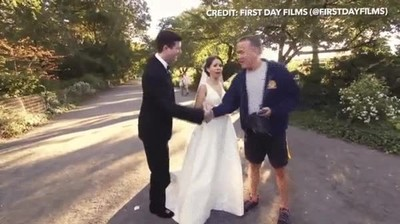 Enlace a ¿Te imaginas casarte y que de repente aparezca Tom Hanks?