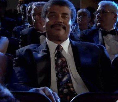 Enlace a Neil deGrasse Tyson en el cine cuestionando la base científica de cualquier película