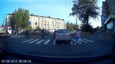 Enlace a La culpa es del conductor por estacionar ahí