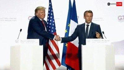 Enlace a Trump y sus encajadas de mano incómodas