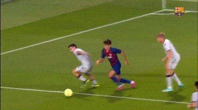 Enlace a Bonito detalle de Alex Collado del Barça B