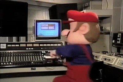 Enlace a Mario orgulloso mostrando uno de sus juegos más famosos