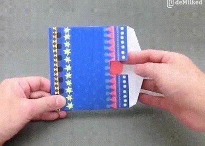 Enlace a Me pasaría el día entero jugando con estos juguetes de papel