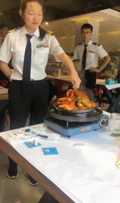 Enlace a La forma en la que el fuego poco a poco baja hasta el plato