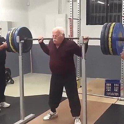 Enlace a Ya no tienes excusa si este señor de 84 años lo hace