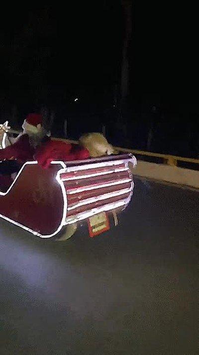 Enlace a Han visto a Santa a toda velocidad intentan llegar a tiempo para entregar los regalos