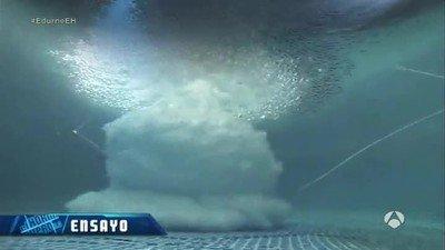 Enlace a Sigo alucinando viendo cómo explotan cosas debajo del agua