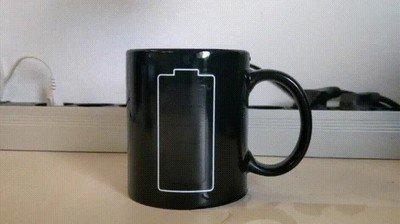 Enlace a Nada como un desayuno con esta taza para cargar las pilas