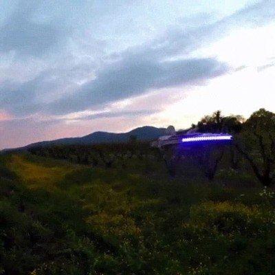 Enlace a Un dron alucinante inspirado en el Halcón Milenario