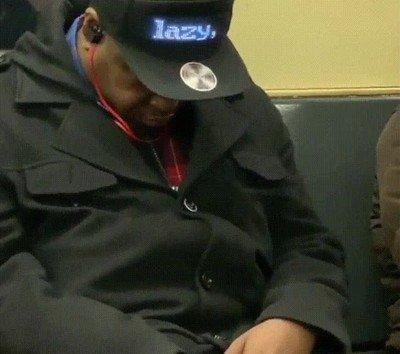 Si este señor lleva la mejor gorra del mundo se dice y no pasa nada