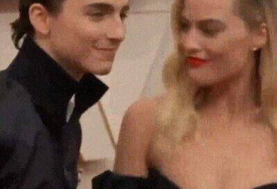 Enlace a Timothee Chalamet trolleando a Margot Robbie en los Oscar