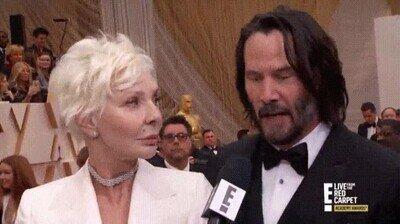 Enlace a Este señor reconociendo a Keanu Reeves nos representa a todos